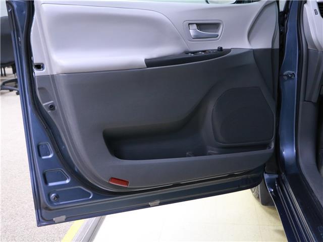2016 Toyota Sienna LE 8 Passenger (Stk: 195490) in Kitchener - Image 13 of 34