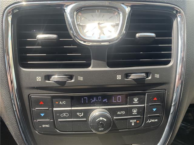 2013 Chrysler Town & Country Touring-L (Stk: 21870) in Pembroke - Image 10 of 12