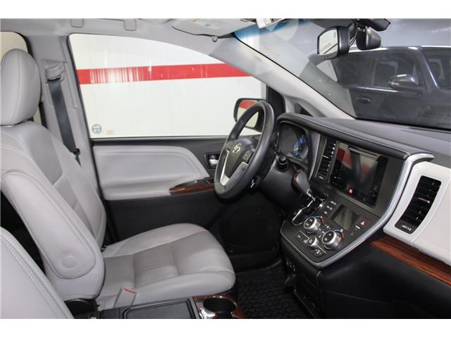 2016 Toyota Sienna Limited 7-Passenger (Stk: 298614S) in Markham - Image 17 of 28