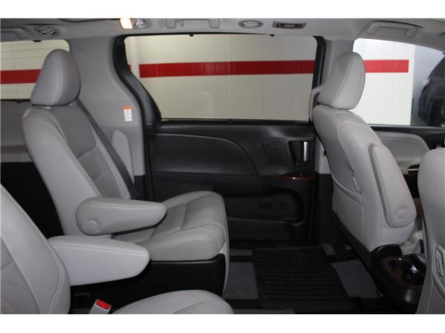 2016 Toyota Sienna Limited 7-Passenger (Stk: 298614S) in Markham - Image 22 of 28