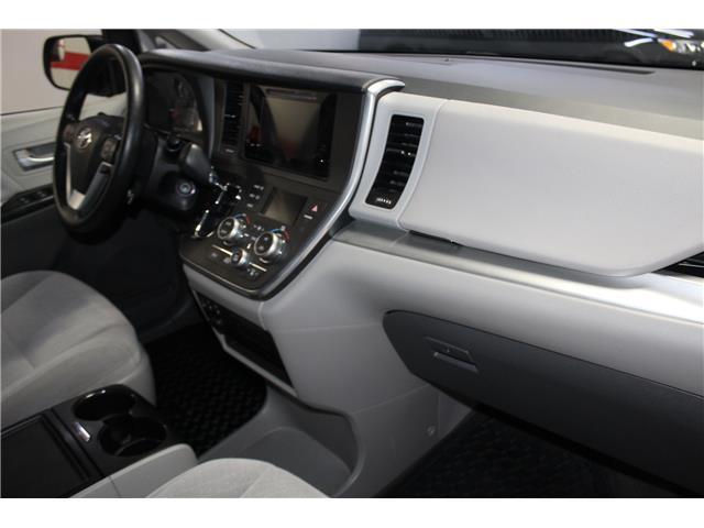 2017 Toyota Sienna LE 7 Passenger (Stk: 298567S) in Markham - Image 16 of 26