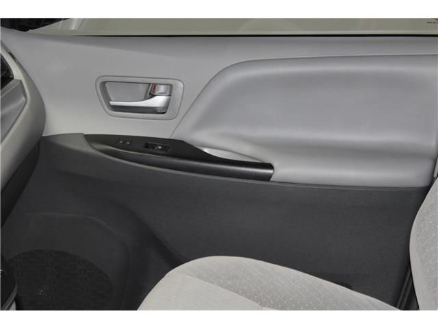 2017 Toyota Sienna LE 7 Passenger (Stk: 298567S) in Markham - Image 14 of 26