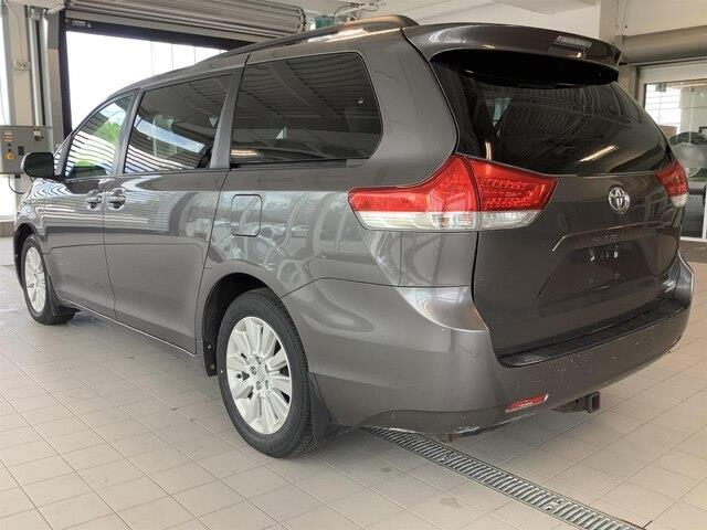 2011 Toyota Sienna LE 7 Passenger (Stk: LB19005B) in Kingston - Image 2 of 11