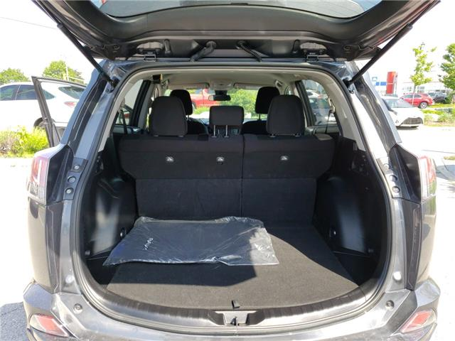 2018 Toyota RAV4 LE (Stk: 190797A) in Whitchurch-Stouffville - Image 11 of 11