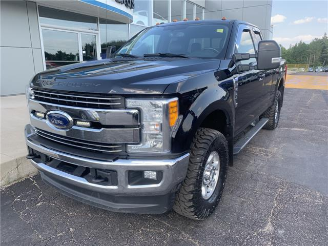 2017 Ford F-250 XLT (Stk: 21746) in Pembroke - Image 2 of 11