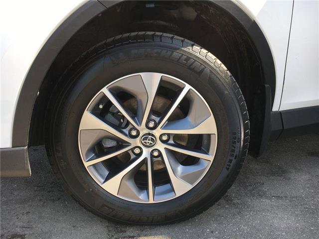 2016 Toyota RAV4 Hybrid XLE AWD SUNROOF, ALLOYS, FOG LAMPS, TINT, ROOF RAC (Stk: 44705A) in Brampton - Image 2 of 24