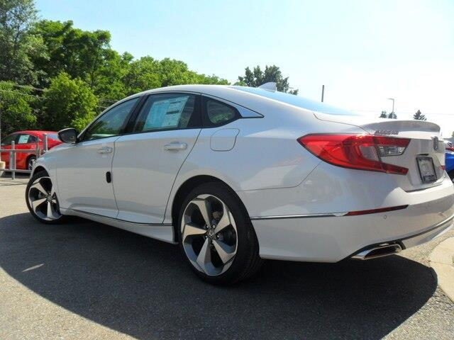 2019 Honda Accord Touring 1.5T (Stk: 10513) in Brockville - Image 6 of 21