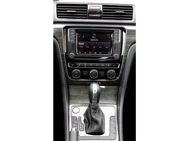 2019 Volkswagen Passat Wolfsburg Edition (Stk: 69220) in Saskatoon - Image 14 of 21