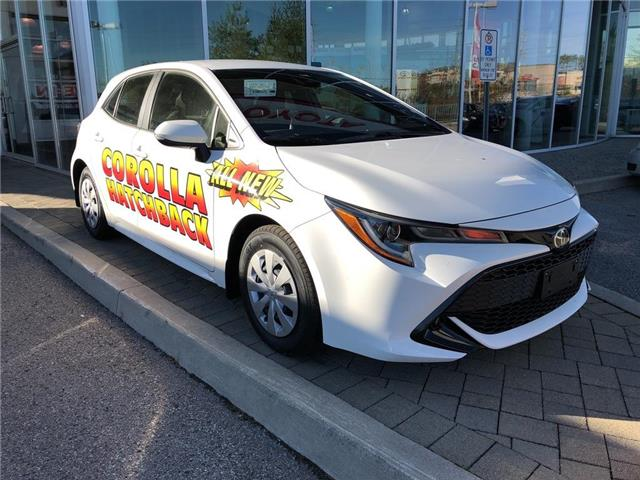 2019 Toyota Corolla Hatchback Base (Stk: 30164) in Aurora - Image 2 of 3