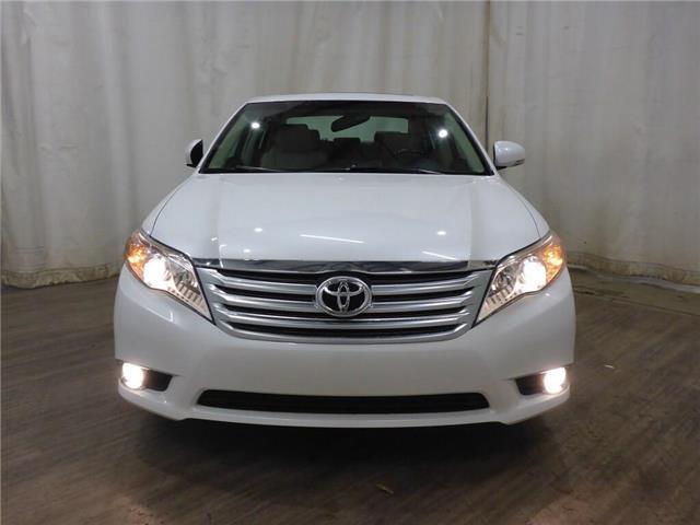 2011 Toyota Avalon XLS (Stk: 190629159) in Calgary - Image 2 of 26