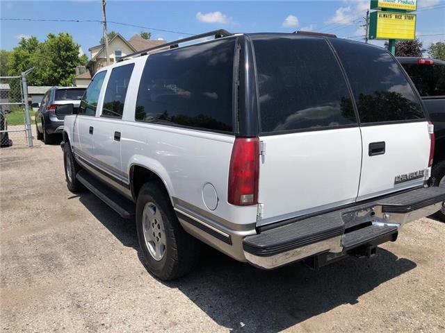 1999 Chevrolet Suburban 1500 LT (Stk: 40126) in Belmont - Image 7 of 20