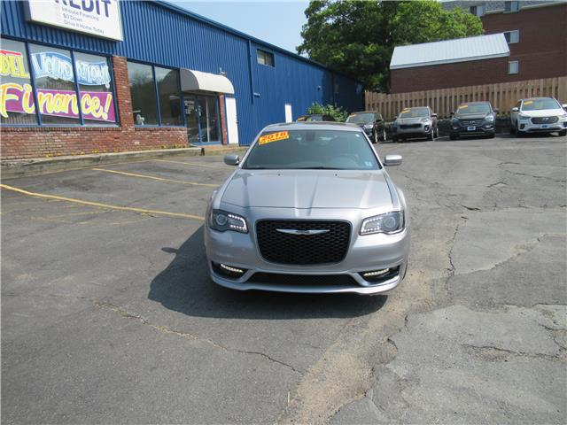 2018 Chrysler 300 S (Stk: 299596) in Dartmouth - Image 2 of 28
