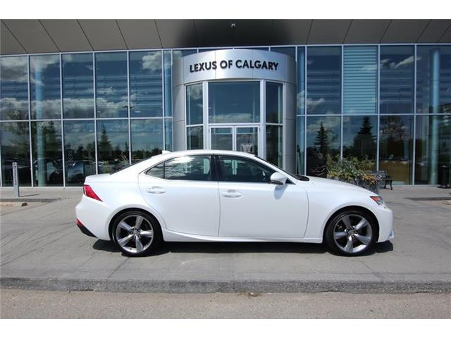 2016 Lexus IS 350 Base (Stk: 190245A) in Calgary - Image 1 of 16