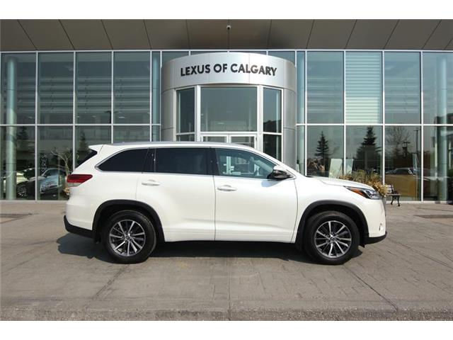 2017 Toyota Highlander XLE (Stk: 190386A) in Calgary - Image 1 of 14