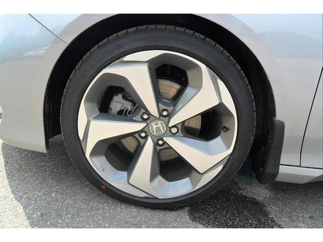 2019 Honda Accord Touring 2.0T (Stk: 10384) in Brockville - Image 11 of 27