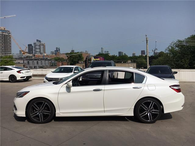 2017 Honda Accord Touring (Stk: A191256A) in Toronto - Image 2 of 28