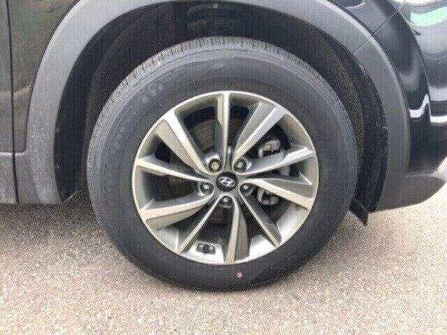2019 Hyundai Santa Fe Preferred 2.0 (Stk: H11843) in Peterborough - Image 3 of 5