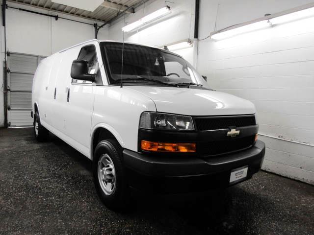 2018 Chevrolet Express 2500 Work Van (Stk: P9-58950) in Burnaby - Image 2 of 22