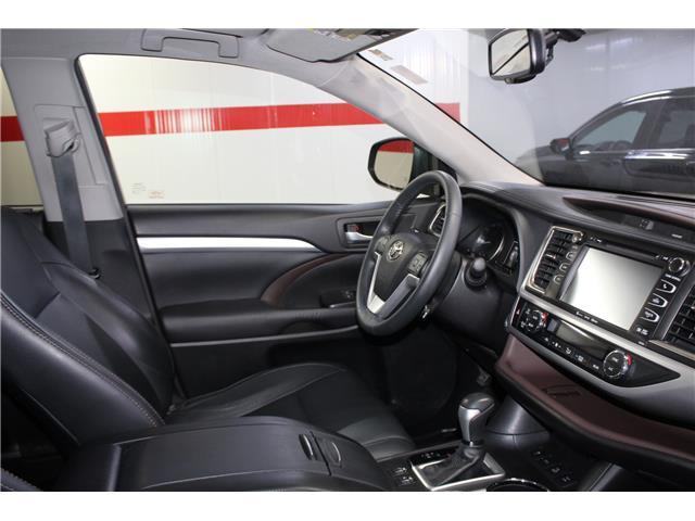 2016 Toyota Highlander XLE (Stk: 298652S) in Markham - Image 17 of 27