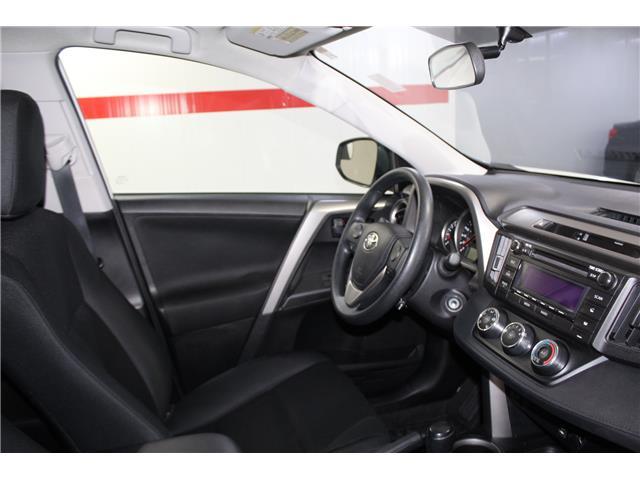 2016 Toyota RAV4 LE (Stk: 298625S) in Markham - Image 15 of 24