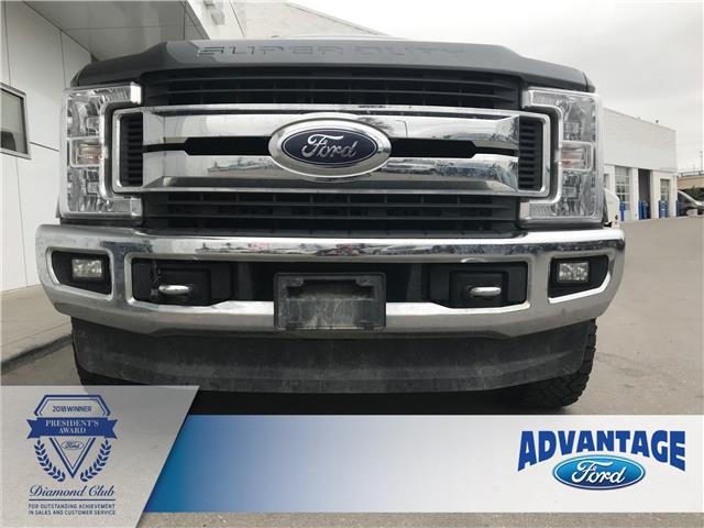 2017 Ford F-350 XLT (Stk: T22910) in Calgary - Image 2 of 20