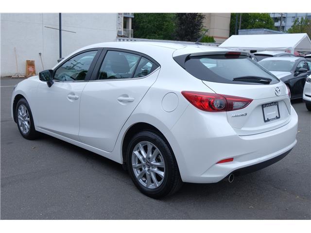 2018 Mazda Mazda3 Sport GS (Stk: 7932A) in Victoria - Image 8 of 21