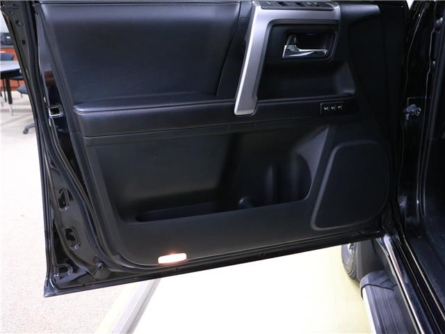 2016 Toyota 4Runner SR5 (Stk: 195629) in Kitchener - Image 12 of 32