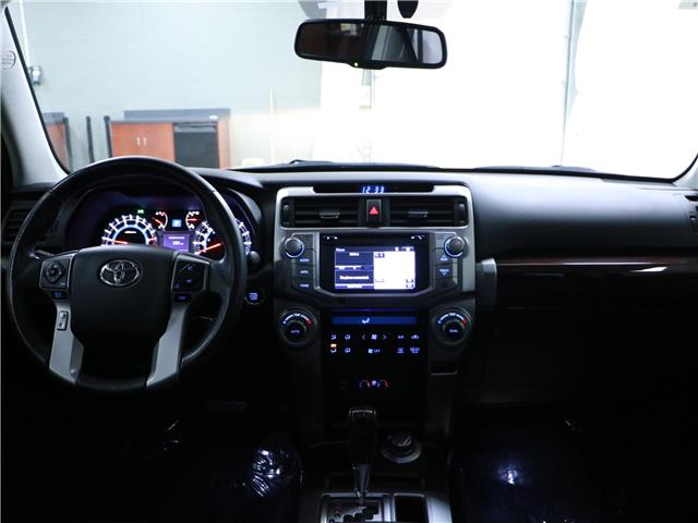 2016 Toyota 4Runner SR5 (Stk: 195629) in Kitchener - Image 5 of 32