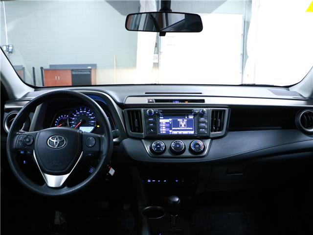 2015 Toyota RAV4 LE (Stk: 195639) in Kitchener - Image 6 of 33