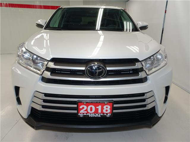 2018 Toyota Highlander LE (Stk: 36355U) in Markham - Image 2 of 21