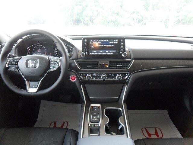 2019 Honda Accord Touring 2.0T (Stk: 10352) in Brockville - Image 9 of 23