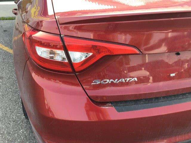 2015 Hyundai Sonata GL (Stk: H12098A) in Peterborough - Image 6 of 15