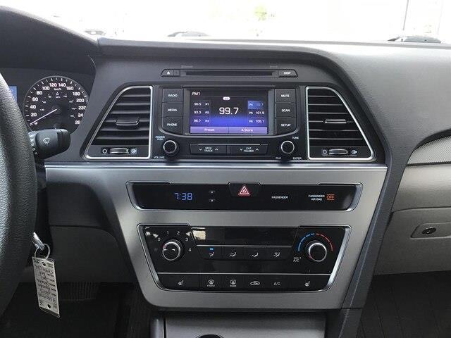 2015 Hyundai Sonata GL (Stk: H12098A) in Peterborough - Image 10 of 15