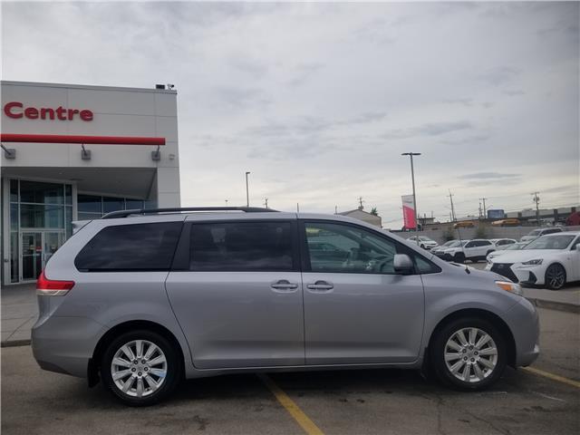 2012 Toyota Sienna XLE 7 Passenger (Stk: U194241V) in Calgary - Image 2 of 27