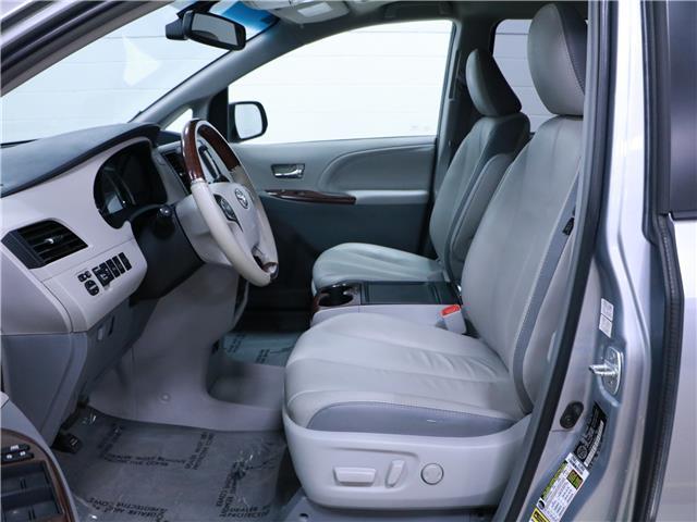 2014 Toyota Sienna XLE 7 Passenger (Stk: 195652) in Kitchener - Image 4 of 34