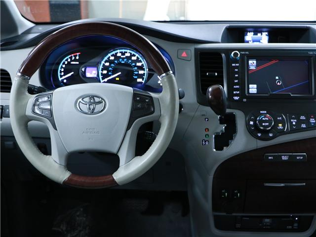 2014 Toyota Sienna XLE 7 Passenger (Stk: 195652) in Kitchener - Image 6 of 34