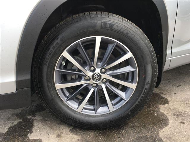 2017 Toyota Highlander XLE AWD LEATHER, SUNROOF, NAVI, ALLOY, FOG, BSM, T (Stk: 44578A) in Brampton - Image 2 of 28