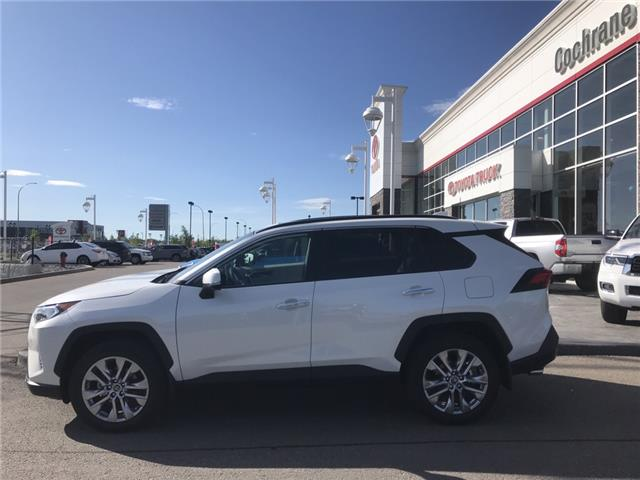 2019 Toyota RAV4 Limited (Stk: 190356) in Cochrane - Image 2 of 14