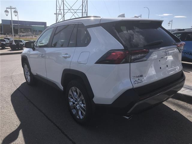 2019 Toyota RAV4 Limited (Stk: 190356) in Cochrane - Image 3 of 14