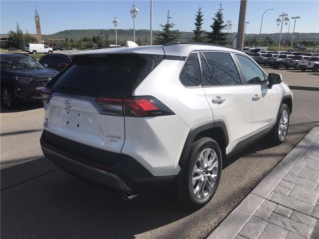 2019 Toyota RAV4 Limited (Stk: 190356) in Cochrane - Image 5 of 14