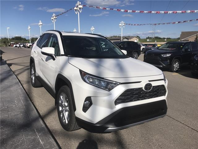 2019 Toyota RAV4 Limited (Stk: 190356) in Cochrane - Image 7 of 14