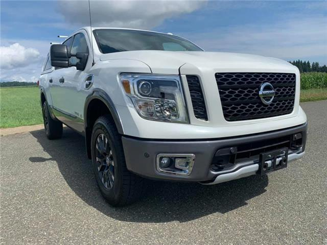 2017 Nissan Titan PRO-4X (Stk: n551517a) in Courtenay - Image 1 of 28