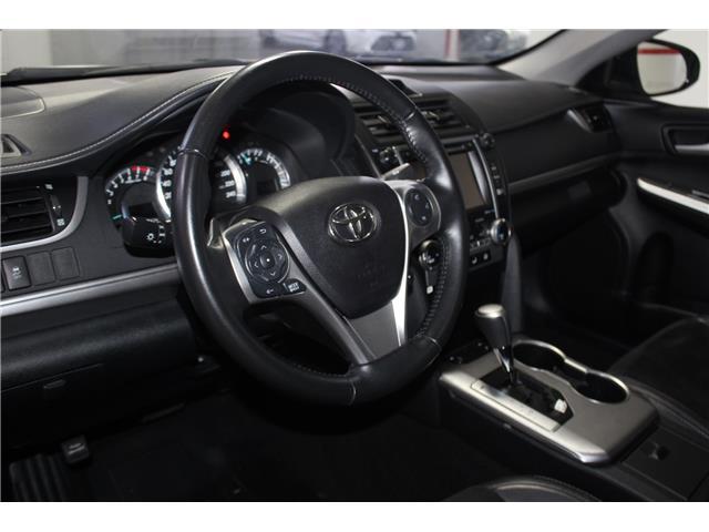 2014 Toyota Camry SE V6 (Stk: 298605S) in Markham - Image 10 of 27