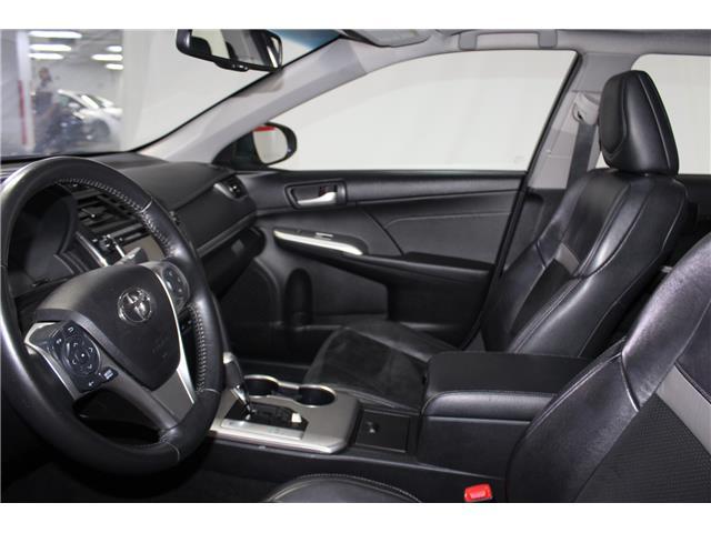 2014 Toyota Camry SE V6 (Stk: 298605S) in Markham - Image 7 of 27