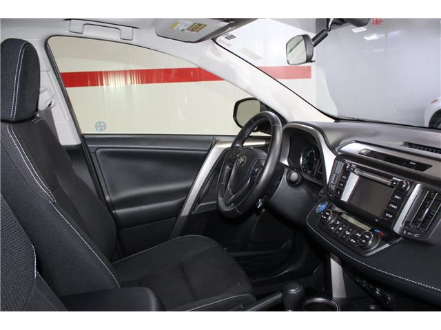 2016 Toyota RAV4 Hybrid XLE (Stk: 298734S) in Markham - Image 17 of 27