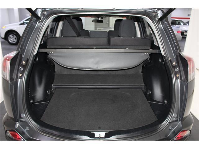2016 Toyota RAV4 Hybrid XLE (Stk: 298734S) in Markham - Image 23 of 27