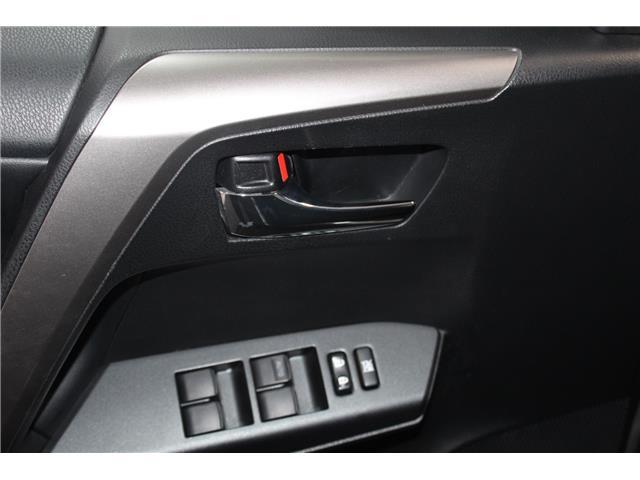 2016 Toyota RAV4 Hybrid XLE (Stk: 298734S) in Markham - Image 6 of 27