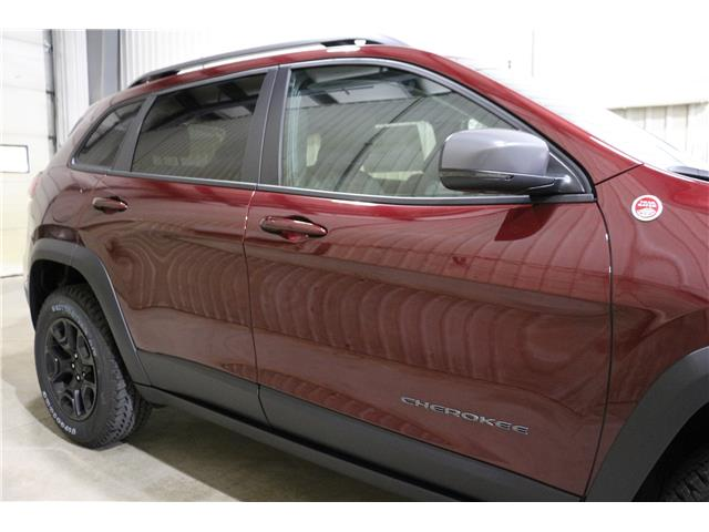 2019 Jeep Cherokee Trailhawk (Stk: KT100) in Rocky Mountain House - Image 4 of 28