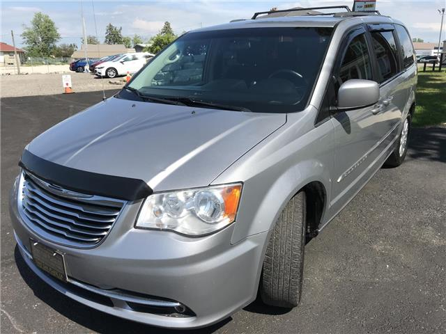 2014 Chrysler Town & Country Touring (Stk: 5322) in London - Image 5 of 28