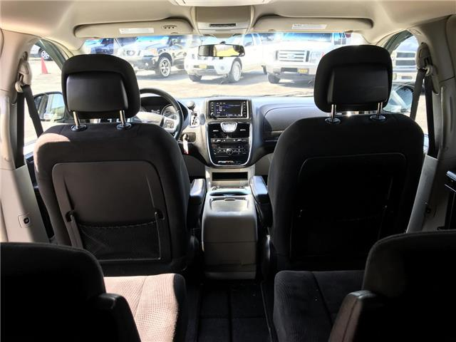 2014 Chrysler Town & Country Touring (Stk: 5322) in London - Image 12 of 28
